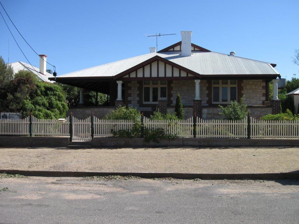 17 Samuel Street, Maitland SA 5573, Image 1