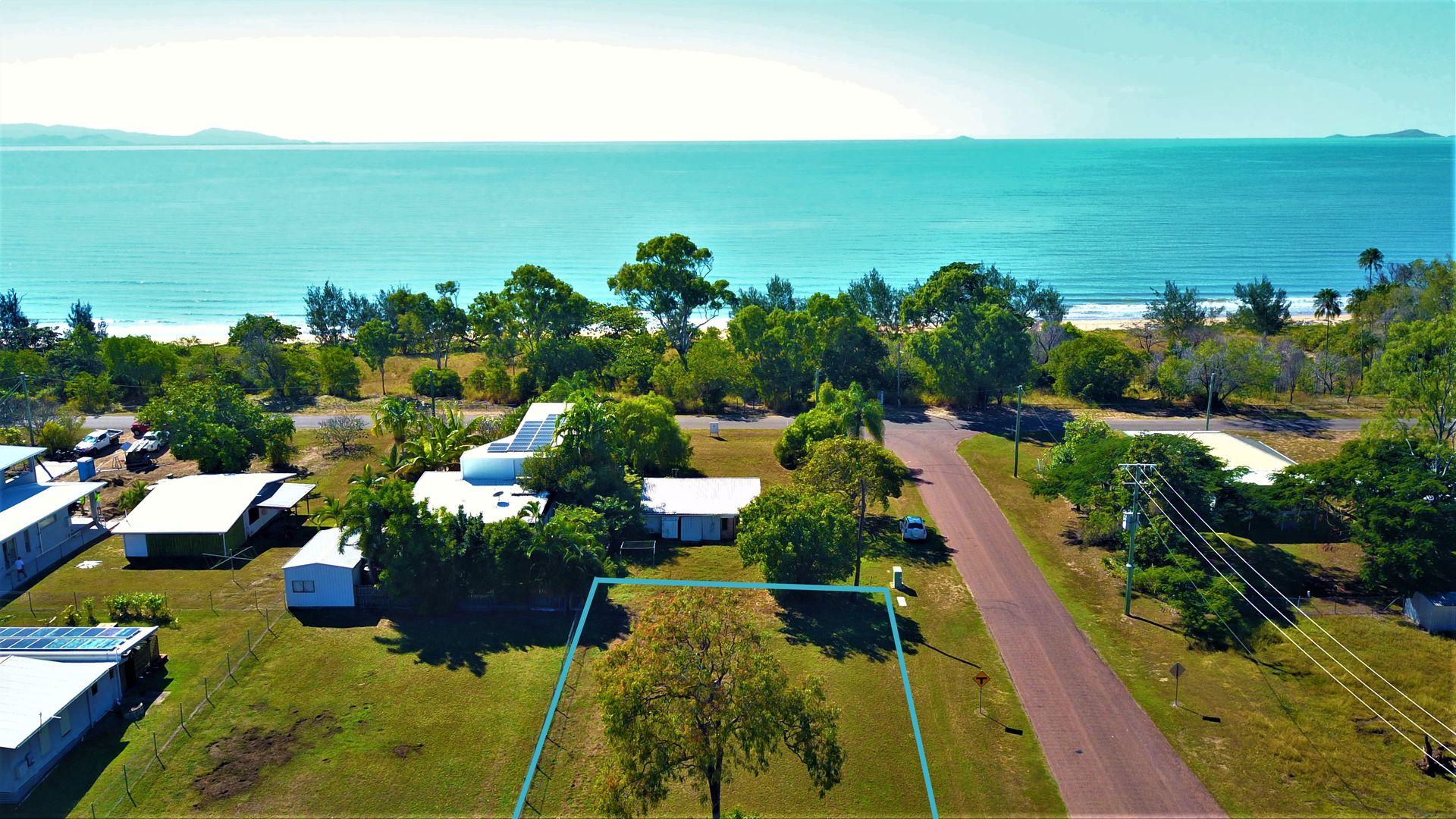 24 Marlin Street, Balgal Beach QLD 4816, Image 2