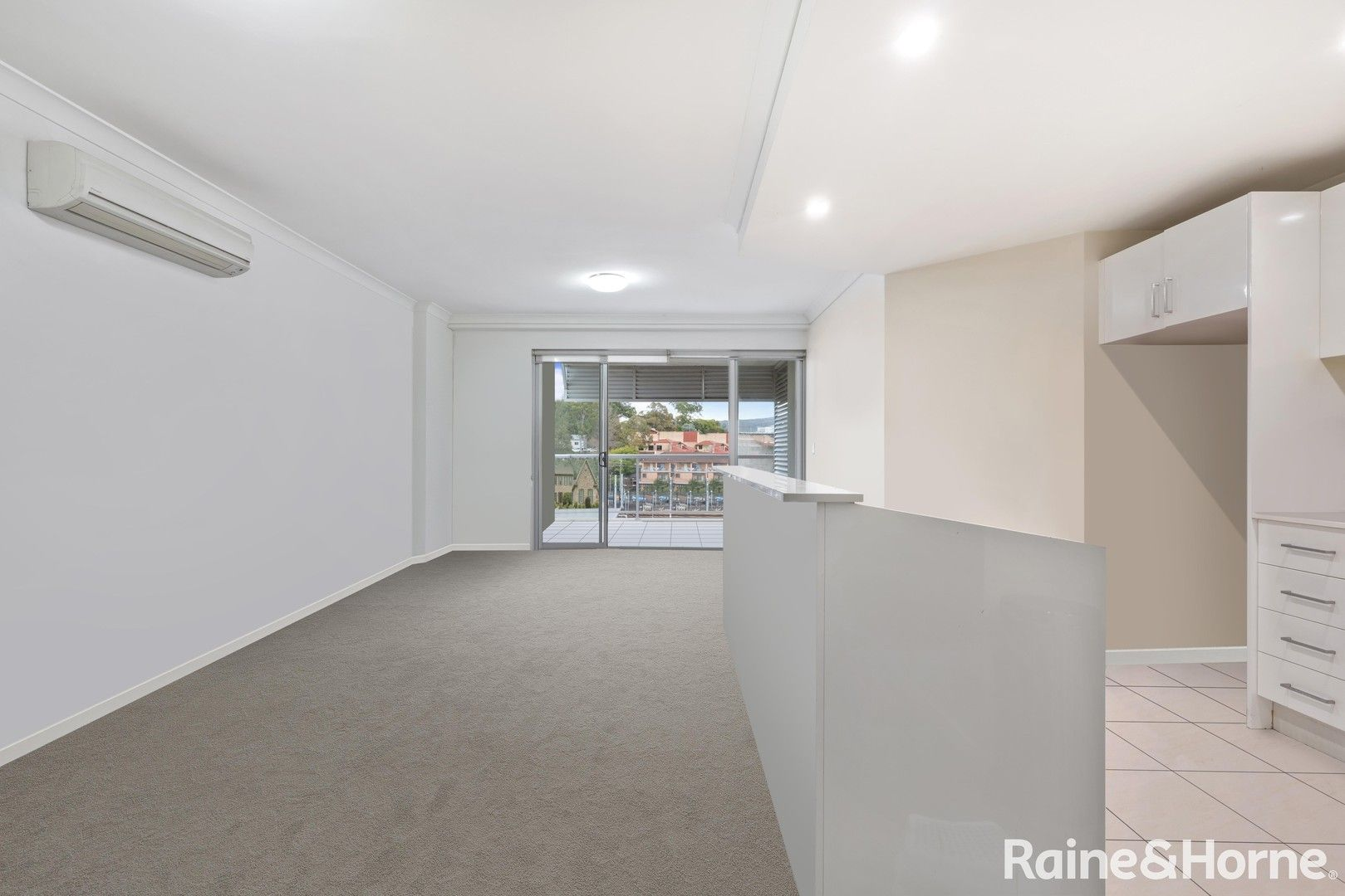 401/273-275 Mann Street, Gosford NSW 2250, Image 1