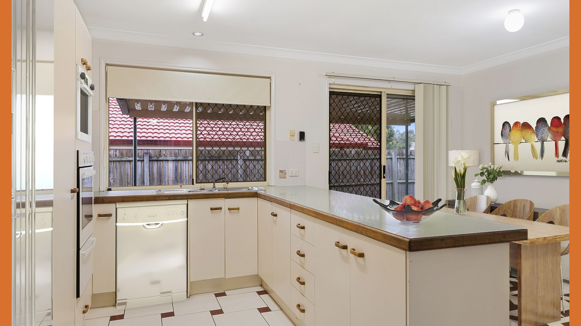10 STRETTON COURT, Heritage Park QLD 4118, Image 1