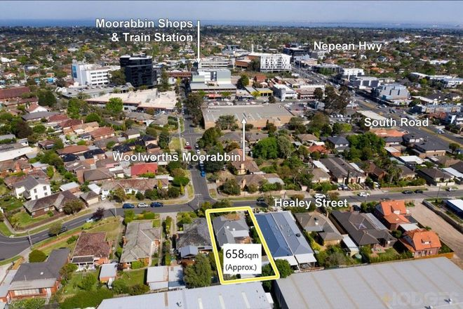 Picture of 30 Healey Street, MOORABBIN VIC 3189