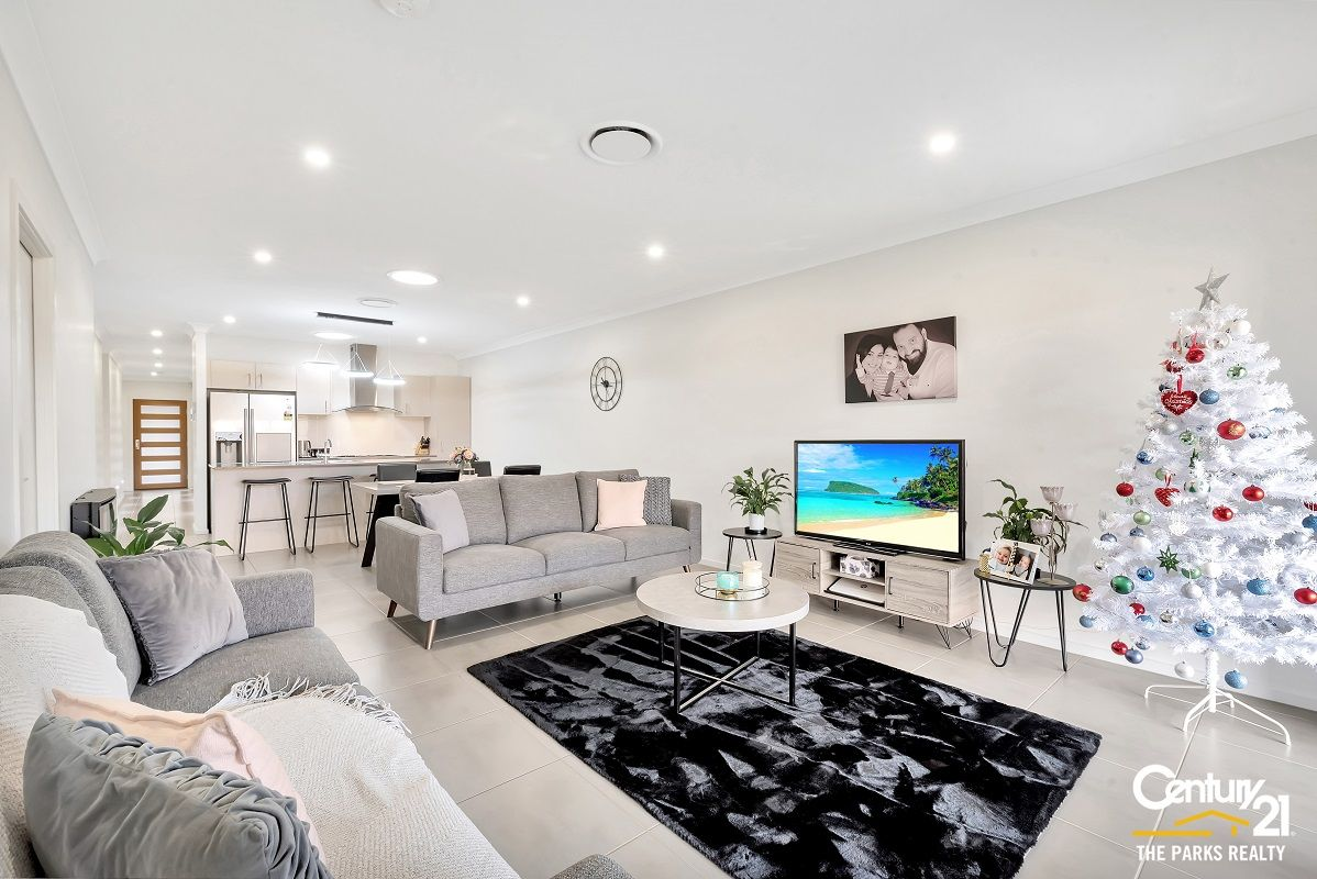 4 Silvester Way, Gledswood Hills NSW 2557, Image 1