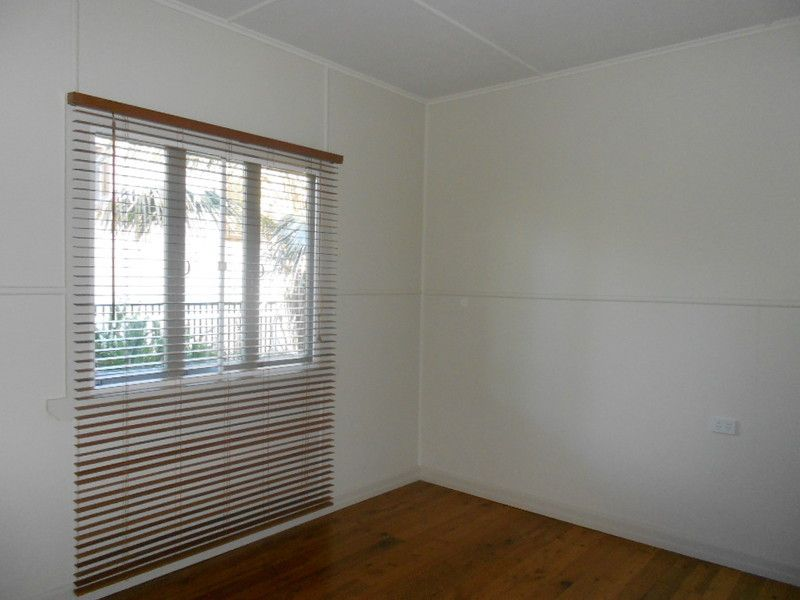102 King Street, Woody Point QLD 4019, Image 1