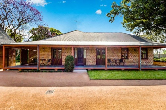Picture of 128 Bathurst Street, PITT TOWN NSW 2756