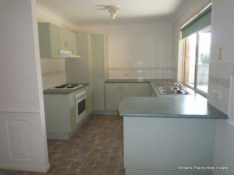8 Robert Sth Drive, Crestmead QLD 4132, Image 1