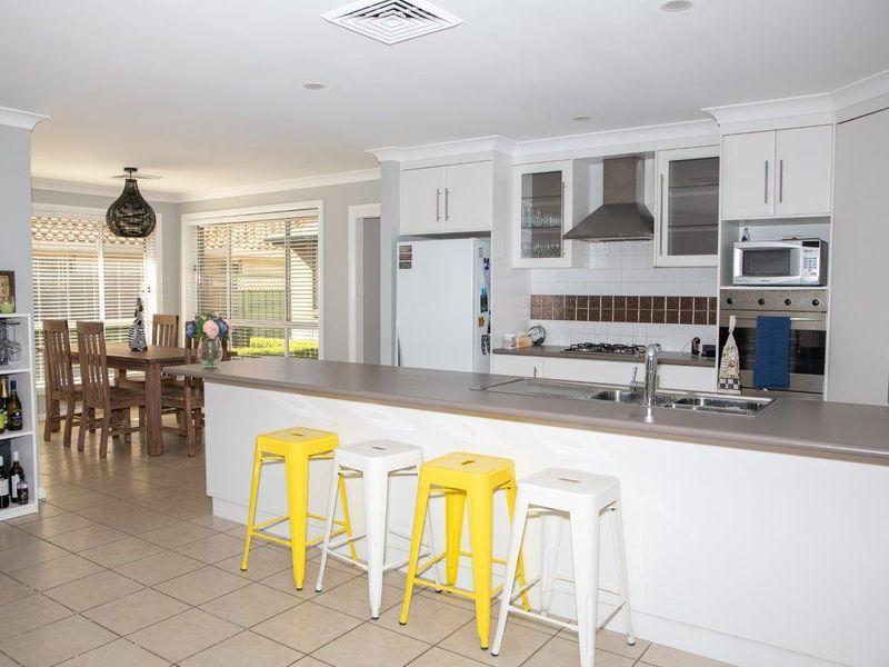 33 St Andrews Drive, Dubbo NSW 2830, Image 1