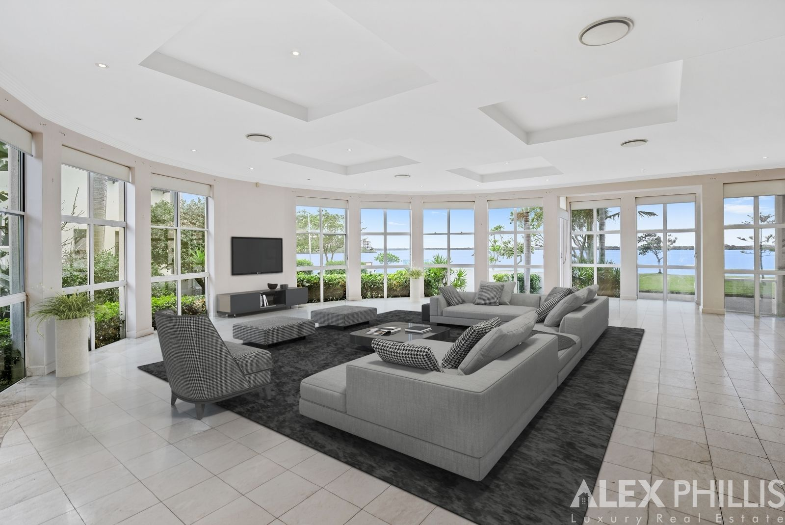8 James Cook Esplanade, Runaway Bay QLD 4216, Image 2
