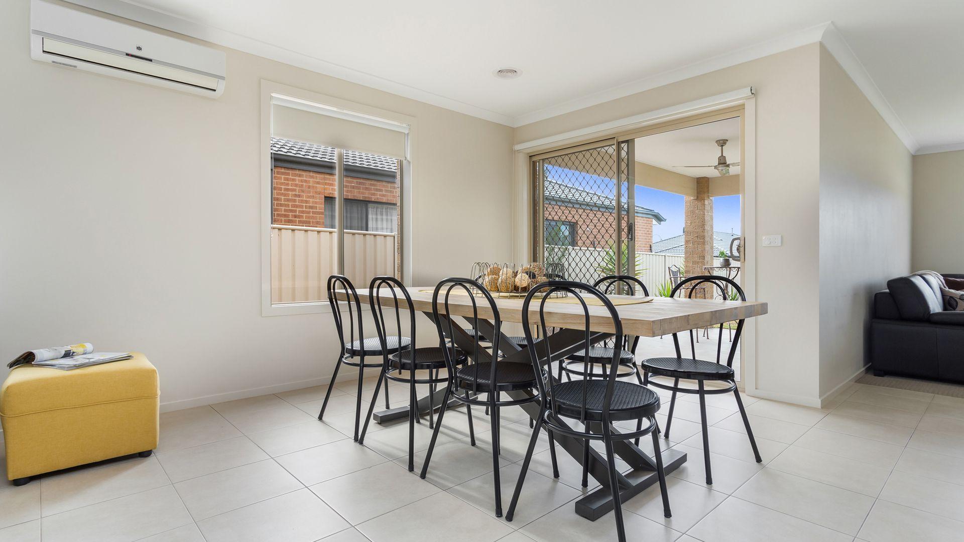 11 Cumberland Terrace, Strathfieldsaye VIC 3551, Image 2