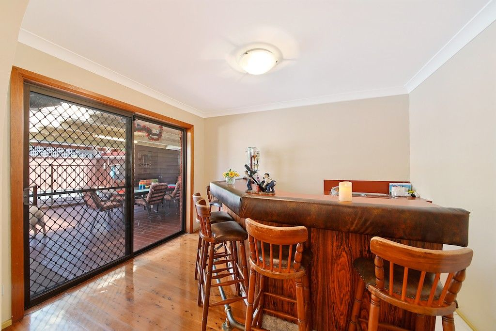 11 Carter Crescent, Padstow Heights NSW 2211, Image 2