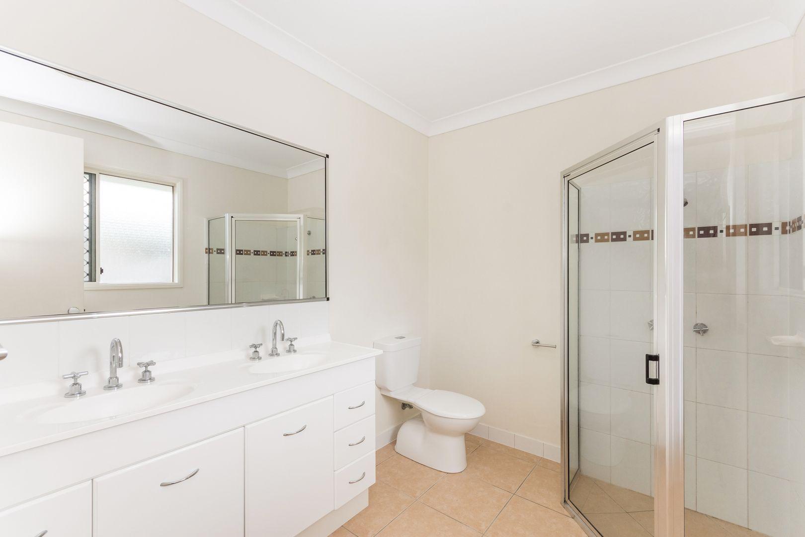 26 Seabrook Circuit, Bushland Beach QLD 4818, Image 2