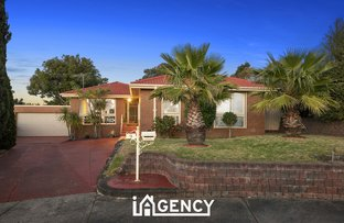 Picture of 9 Aaran Close, Endeavour Hills VIC 3802