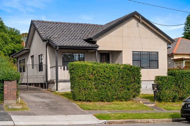 Picture of 5 Lockyer Street, MEREWETHER NSW 2291