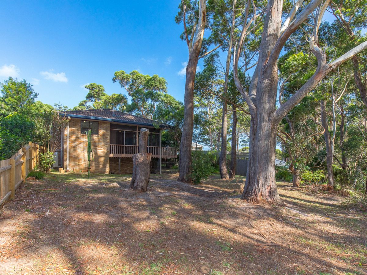32 Tallwood Avenue, Narrawallee NSW 2539, Image 1