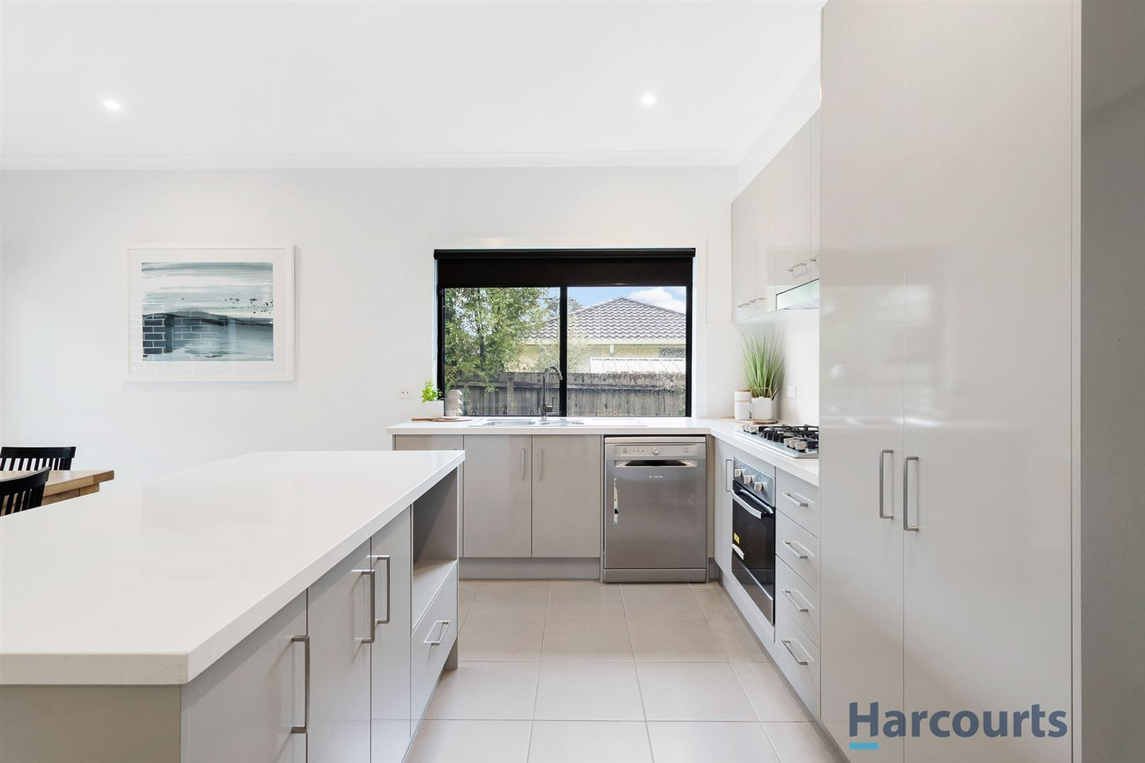 2/4 Chivalry Avenue, Glen Waverley VIC 3150, Image 2