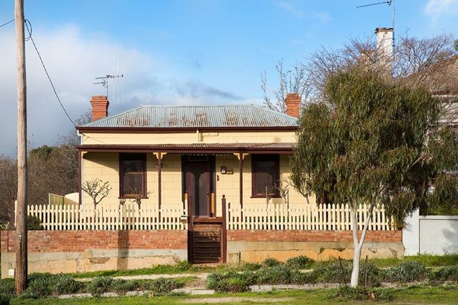 Picture of 102 Hargraves  Street, CASTLEMAINE VIC 3450