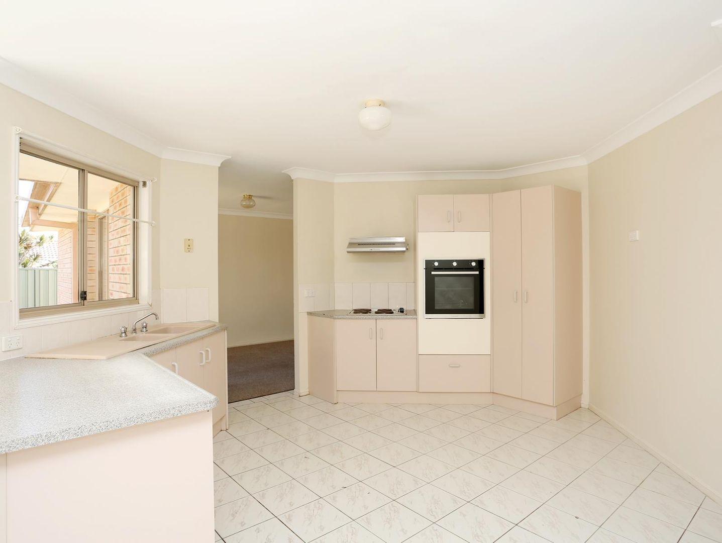 53 Mortlake Crescent, Boronia Heights QLD 4124, Image 2