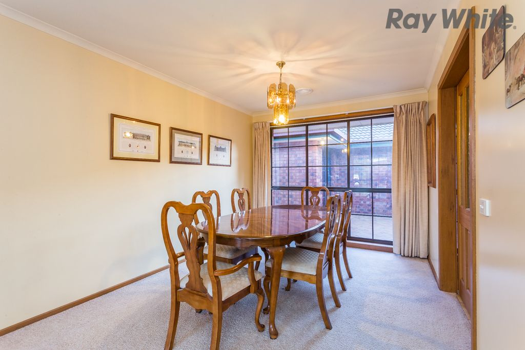 16 Constellation Court, Taylors Lakes VIC 3038, Image 2