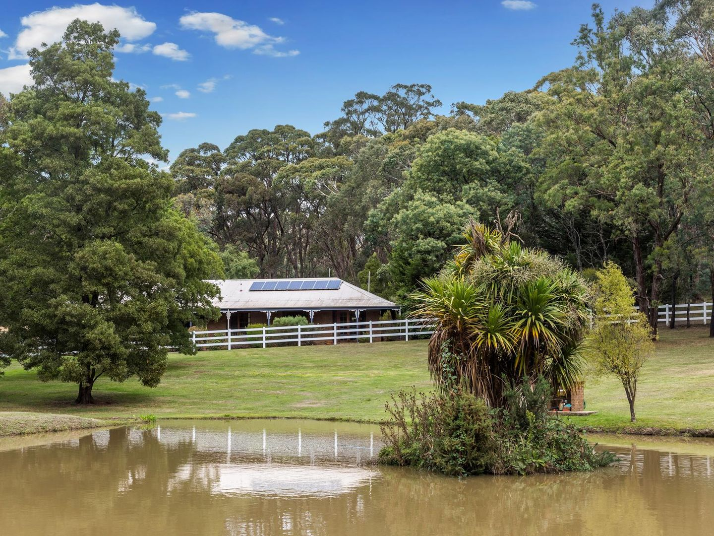 26 Shannon Court, Woodend VIC 3442, Image 0