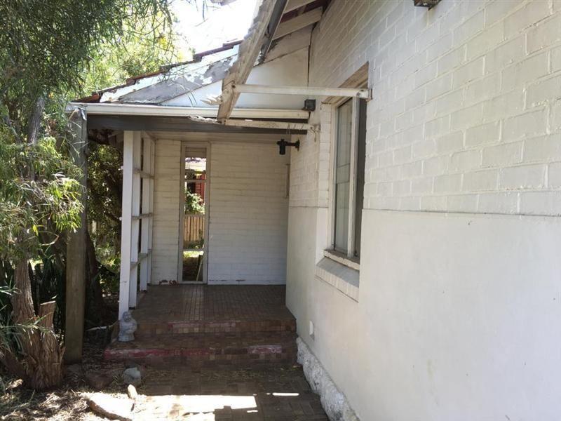24 Portland Street, Nedlands WA 6009, Image 2