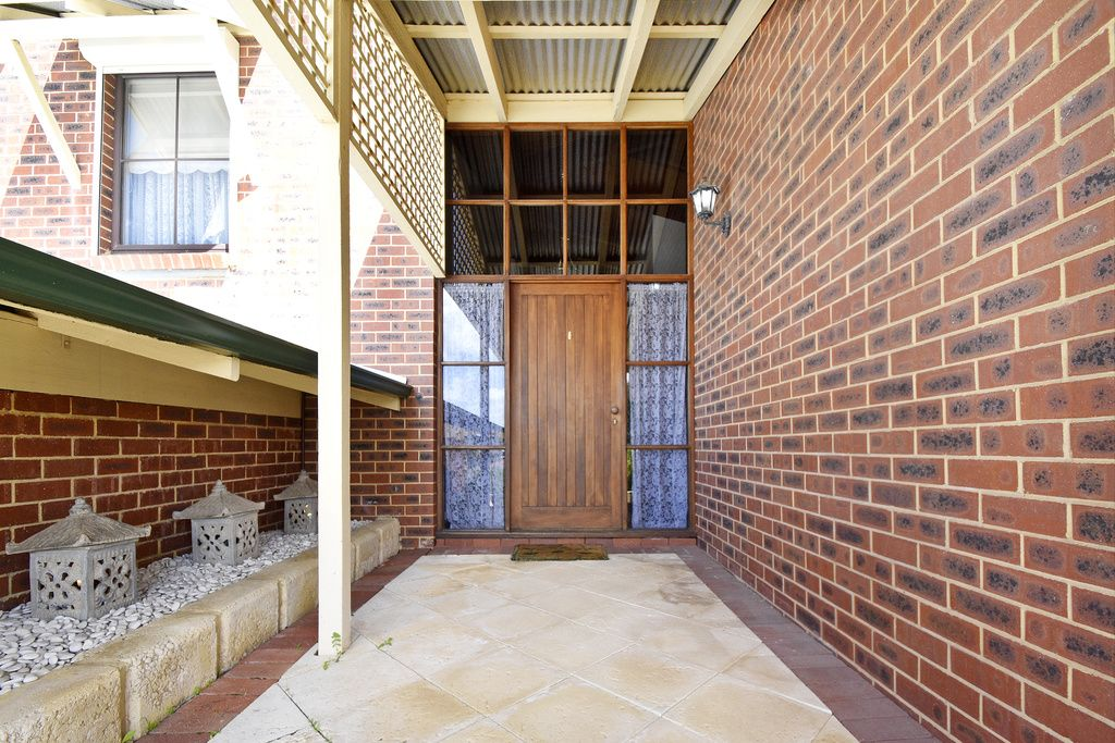 5 Flannan Place, Warwick WA 6024, Image 2