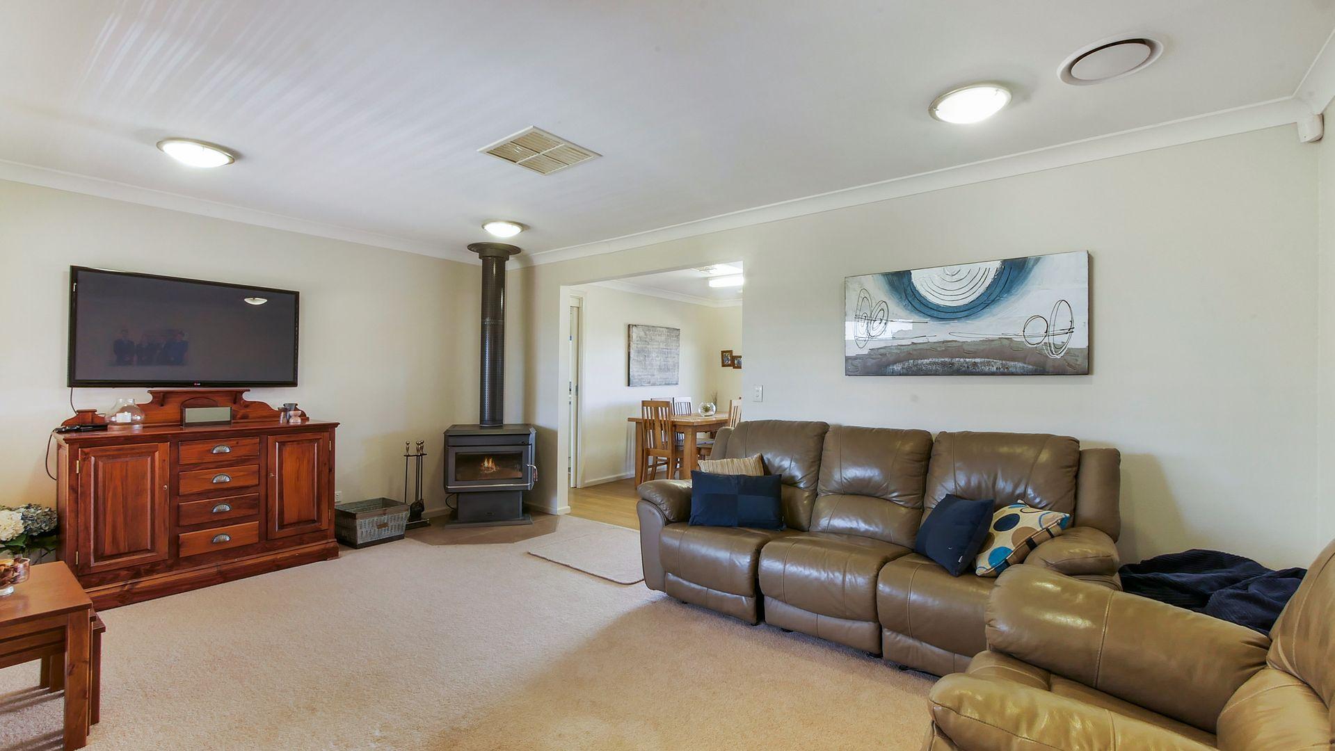 13 Buckingham Drive, Dubbo NSW 2830, Image 1