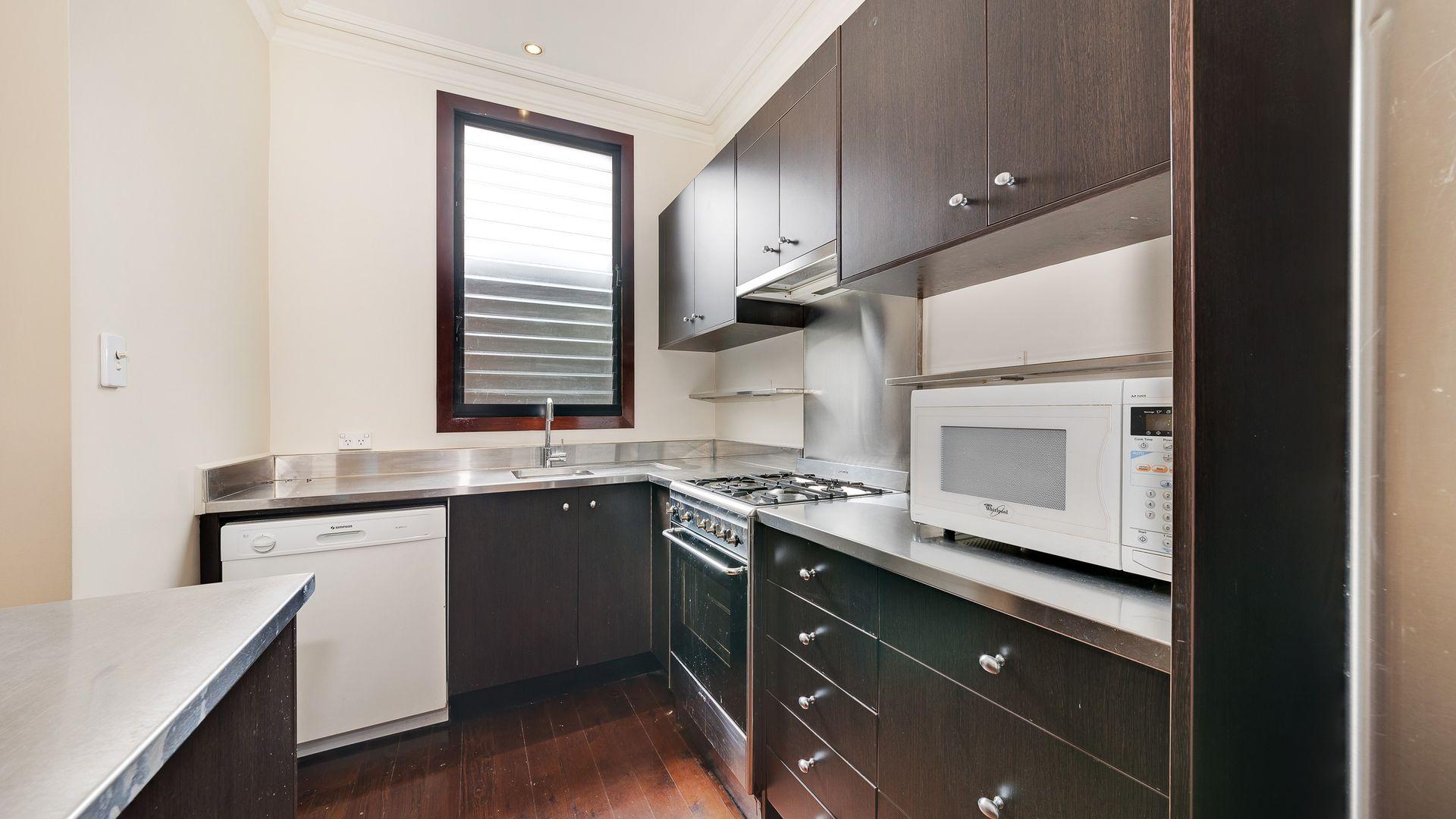 30 Emmett Street, Crows Nest NSW 2065, Image 1
