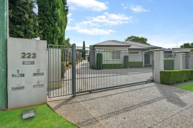 Picture of 2/223 Mackenzie Street, CENTENARY HEIGHTS QLD 4350