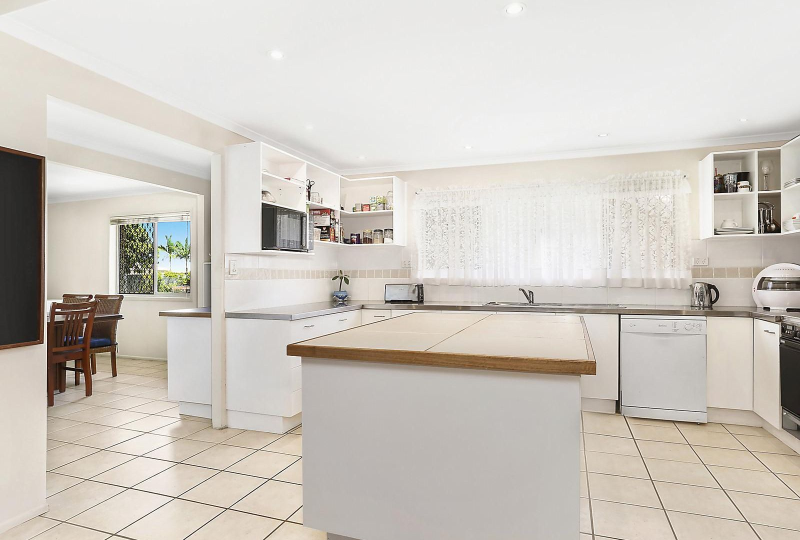 38 St Andrews Drive, Tewantin QLD 4565, Image 2