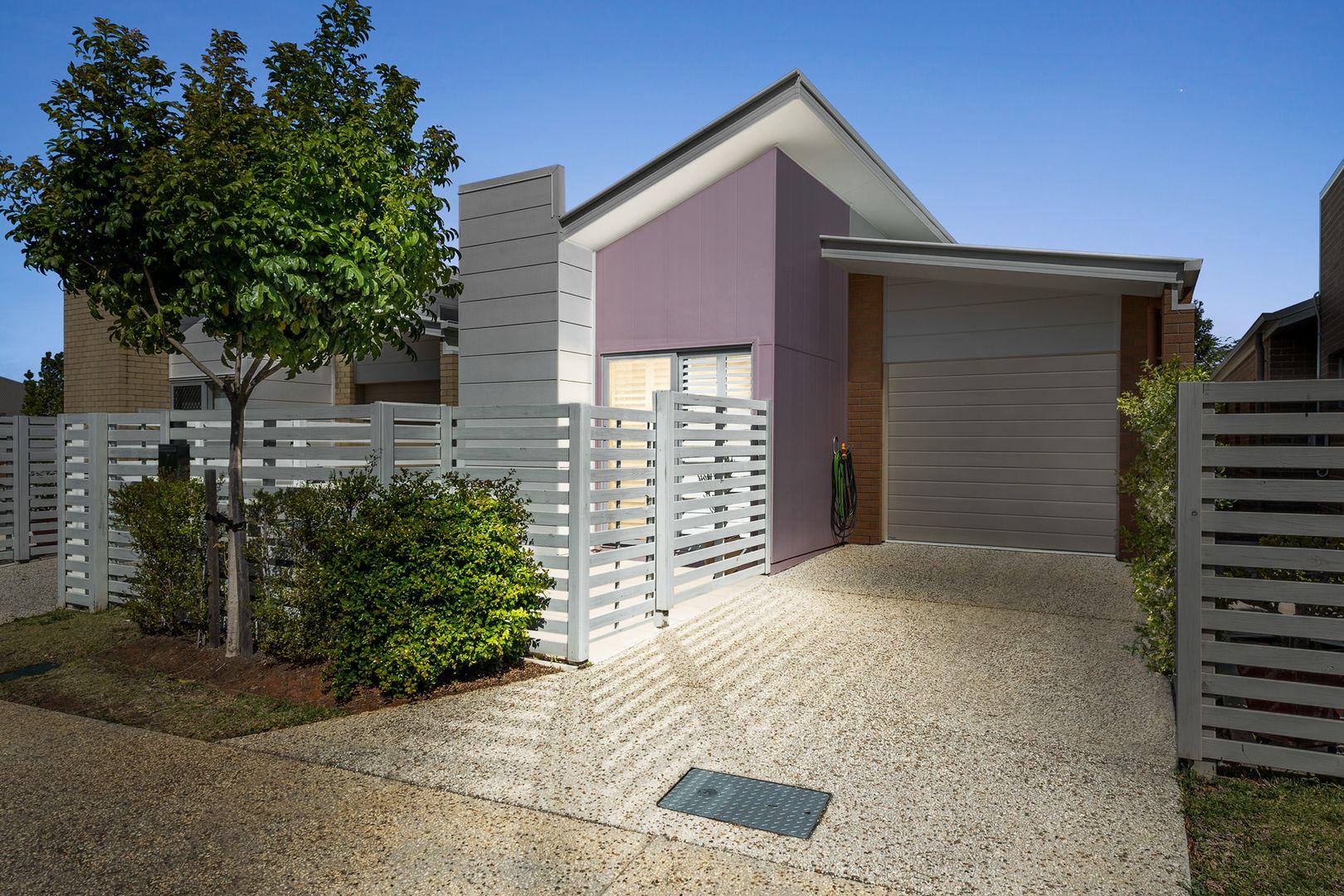 2/23 Essencia Avenue, Dakabin QLD 4503, Image 0