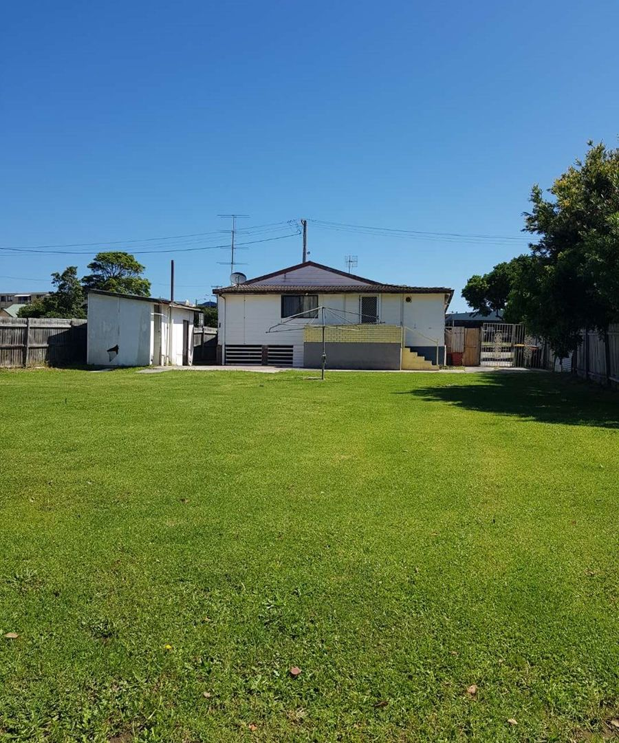 18 Campbell Ave, The Entrance NSW 2261, Image 1