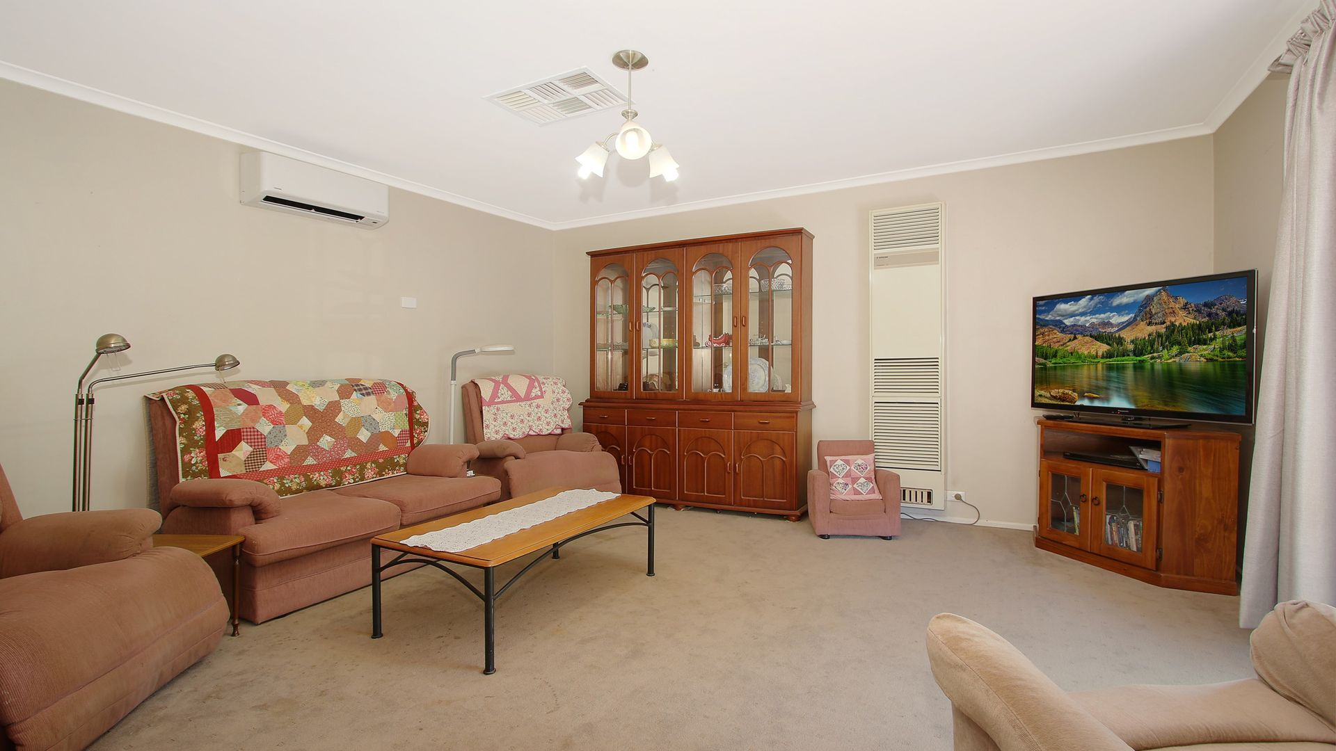 6 Campbell Court, Burrumbuttock NSW 2642, Image 1