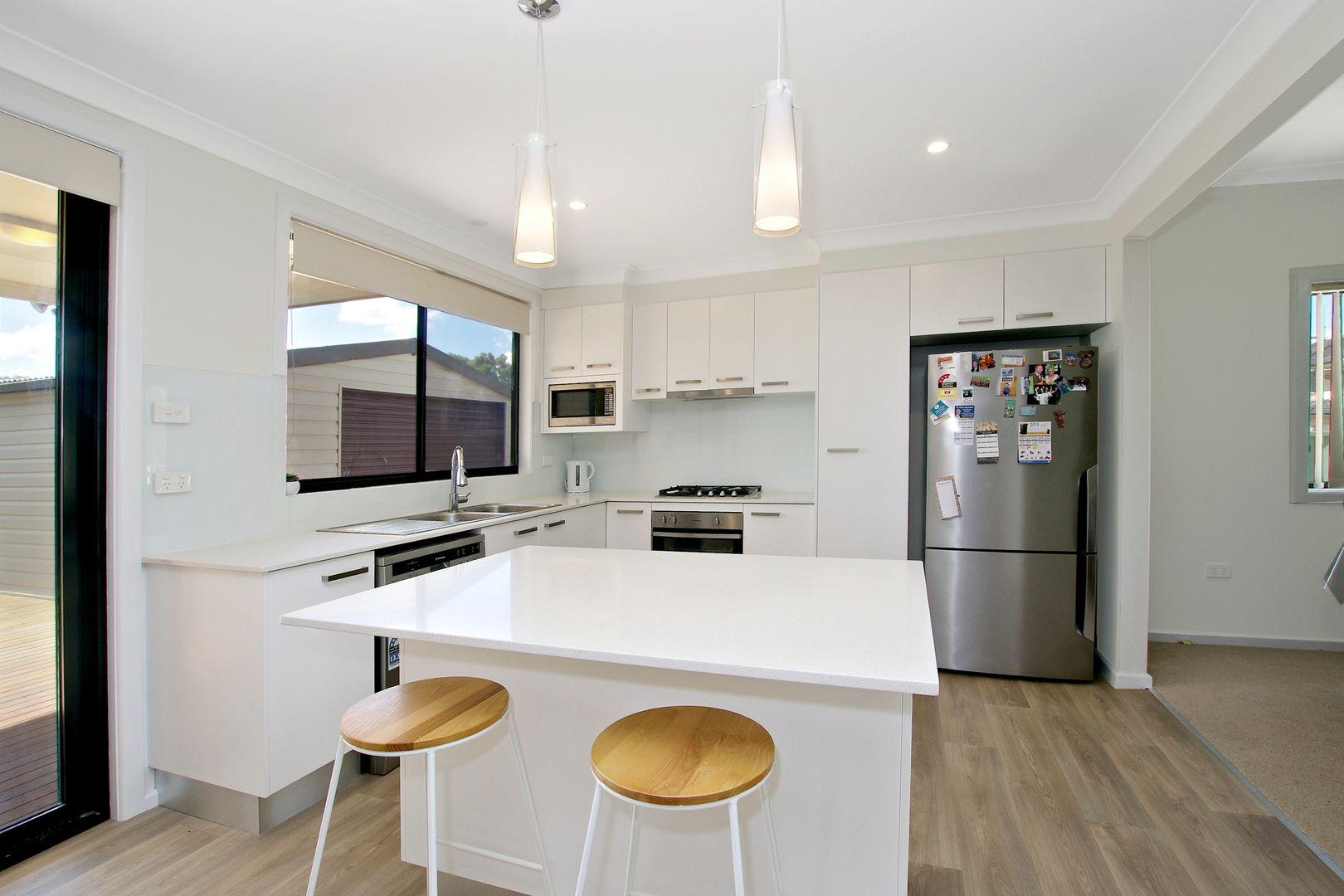 10 Cummings Crescent,, Lansvale NSW 2166, Image 2
