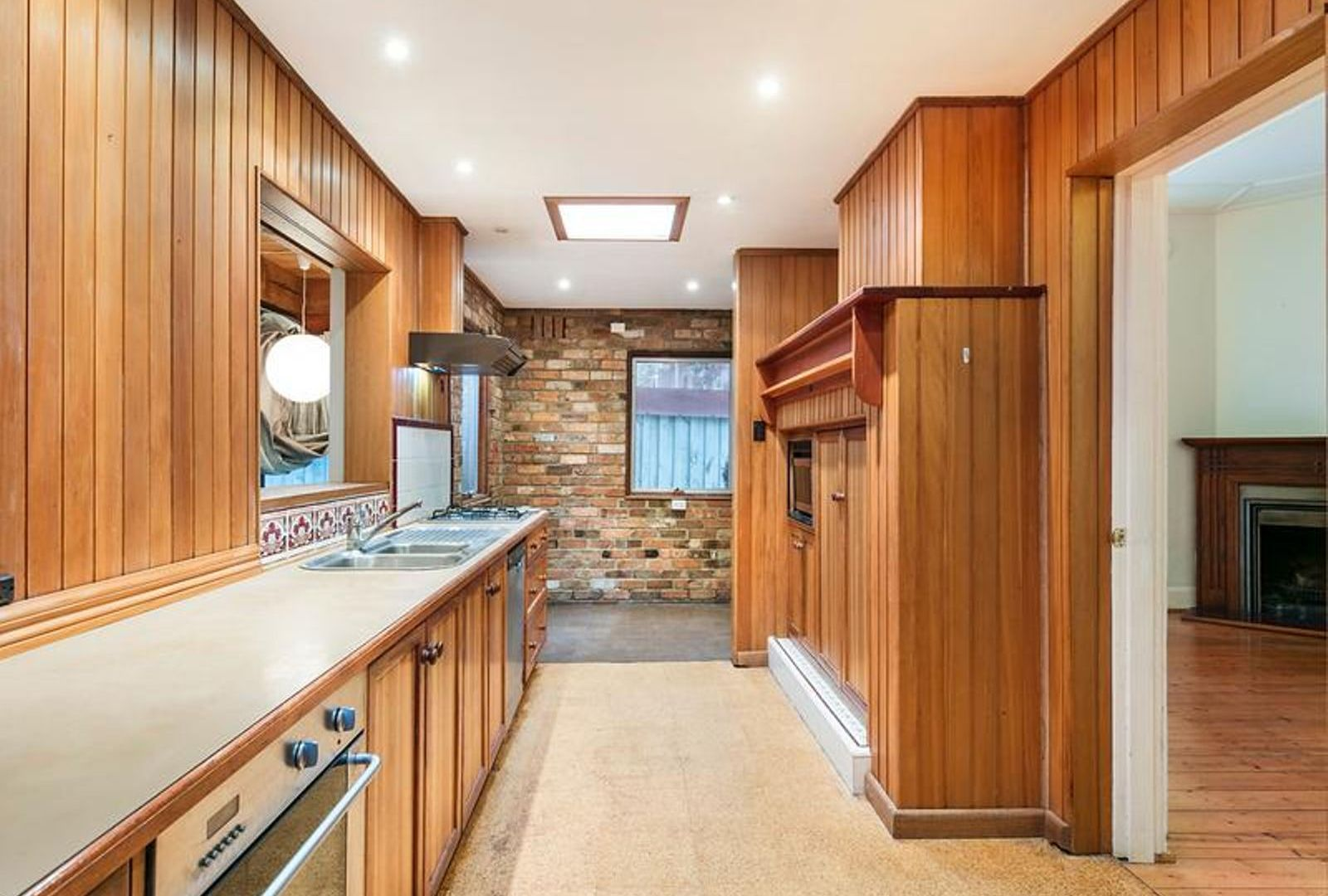 2 Downton Grove, Kew VIC 3101, Image 2