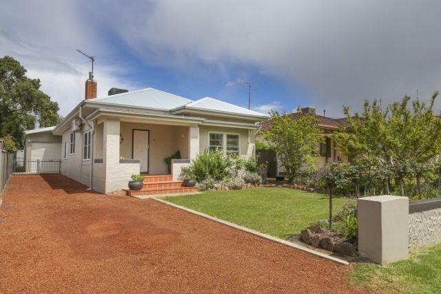 16 Yanco Avenue, Leeton NSW 2705, Image 0