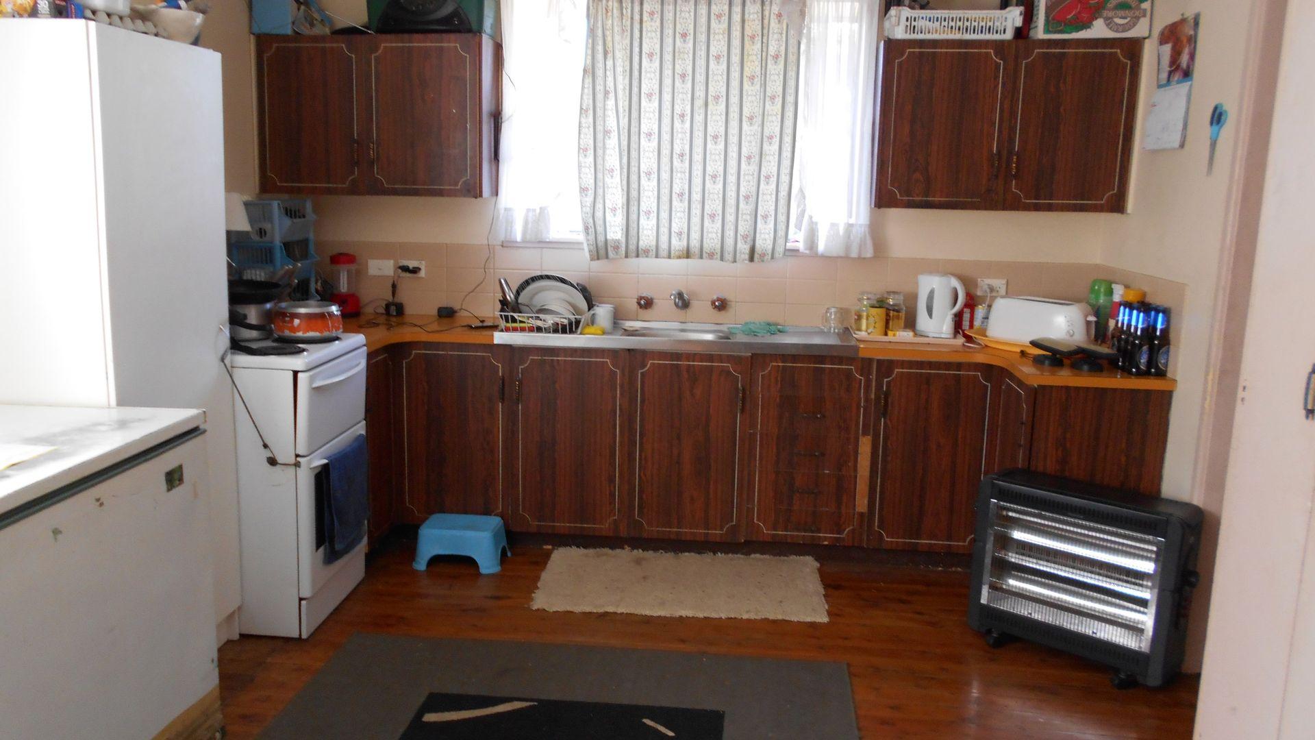 18 Mack Street, Tamworth NSW 2340, Image 2