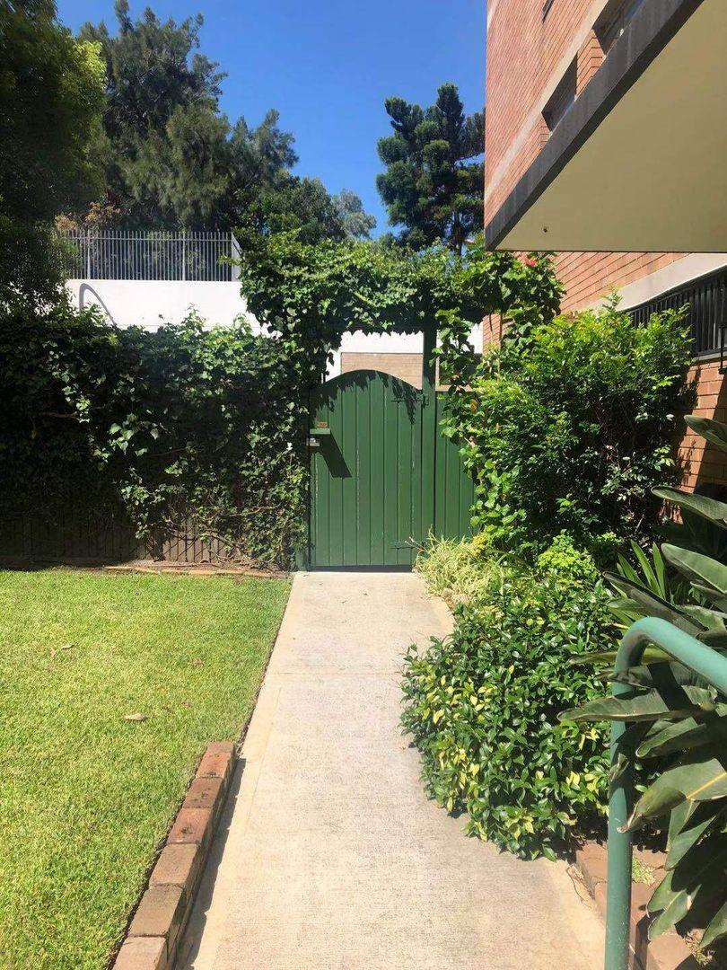 10 Barncleuth Square, Elizabeth Bay NSW 2011, Image 0