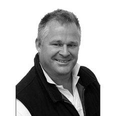 Travis Barber, Sales Associate