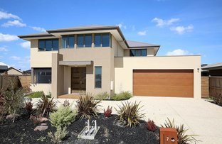 Picture of 7 Waterbloom Avenue, Clyde North VIC 3978