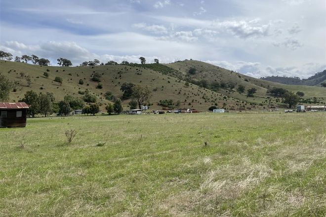 Picture of 6965 Great Alpine Road, SWIFTS CREEK VIC 3896