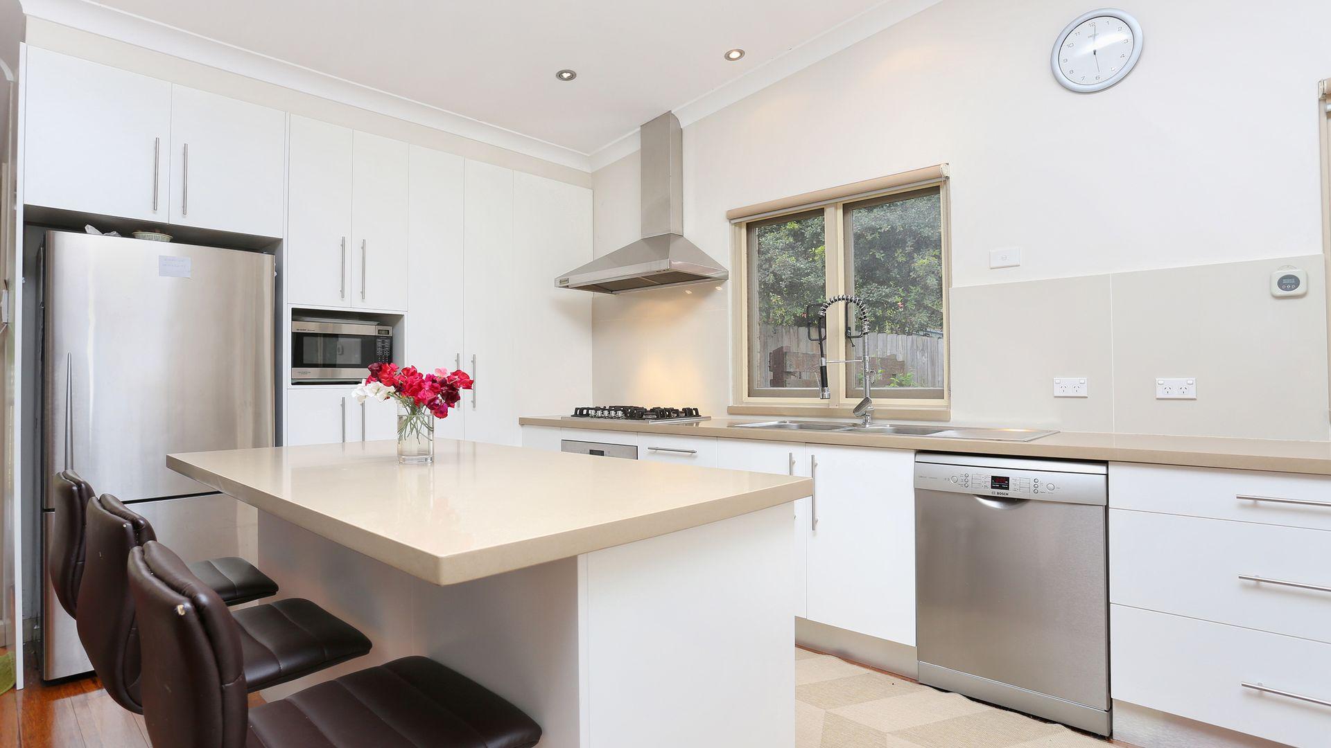 10 Balfour Street, Wollstonecraft NSW 2065, Image 2