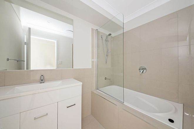 Picture of 2/19 Mount Mitchell Road, PARK RIDGE QLD 4125