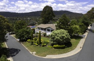 Picture of 140 Hawkesbury Crescent, Farrer ACT 2607