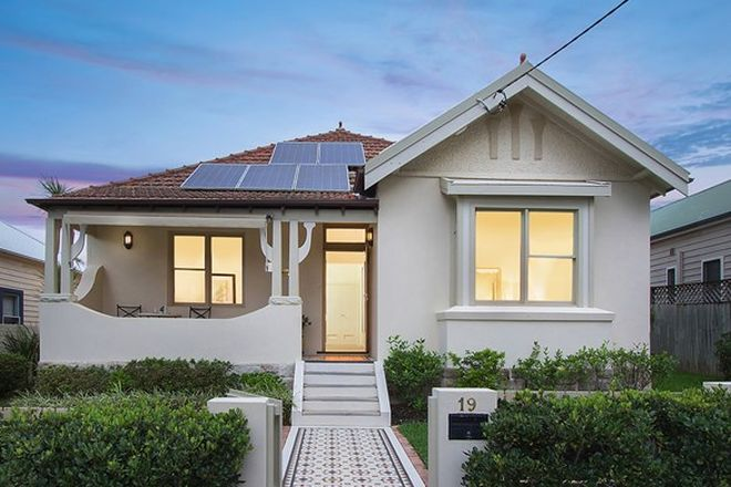 Picture of 19 Darvall Street, NAREMBURN NSW 2065