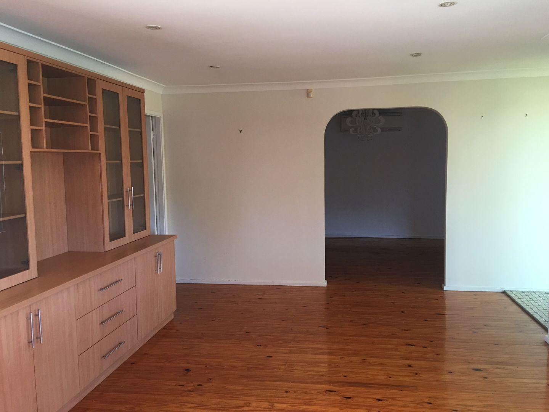 2 Honeyeater Place, Ingleburn NSW 2565, Image 2