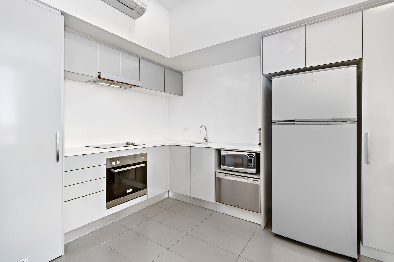 75/2-4 Kingsway Place, Townsville City QLD 4810, Image 1