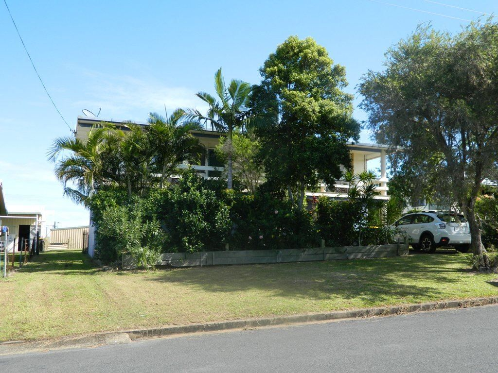 11 Curlew Terrace, River Heads QLD 4655, Image 2