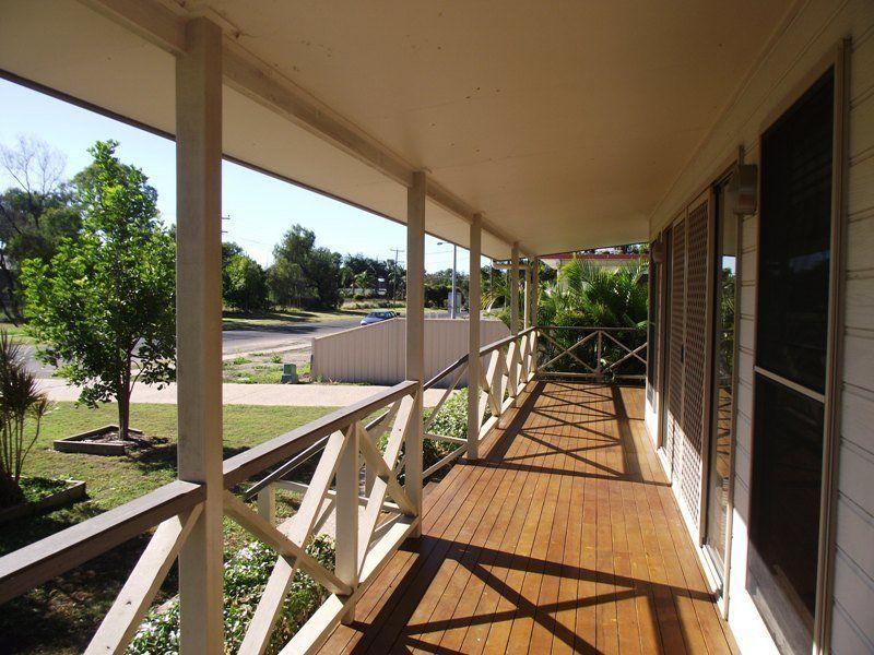 A/21 Gray Street, Emerald QLD 4720, Image 2