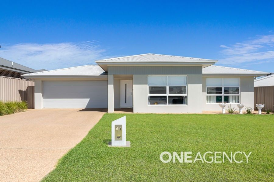 15 Darcy Drive, Boorooma NSW 2650
