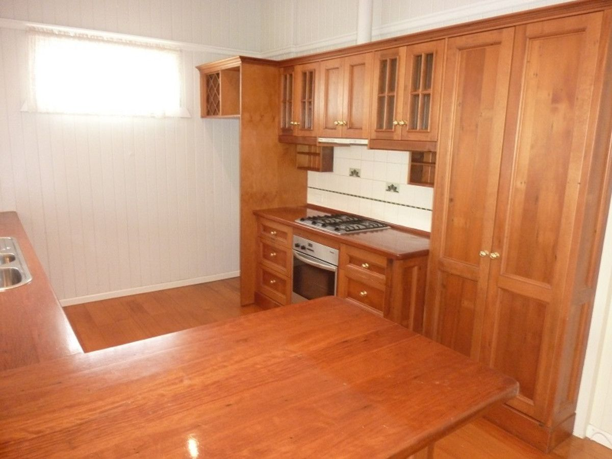 61 Primrose Street, Sherwood QLD 4075, Image 2