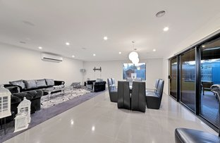 Picture of 10 Farrer Close, Cranbourne VIC 3977